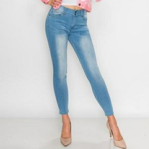 Between Us Light Blue Stretchy Skinny Jeans Size 9